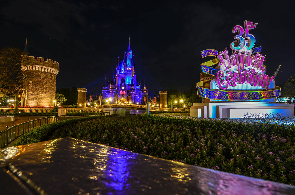 35th sign Castle Turret TDL