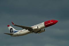 Berlin SXF 22.6.2018 Norwegian Sonderlackierung Boeing 737-800