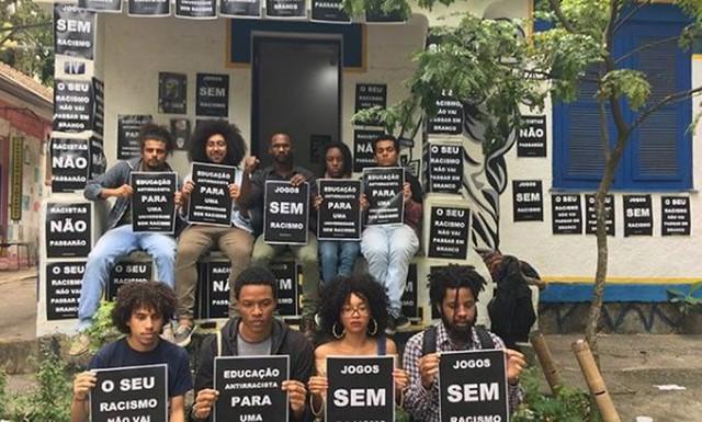 Estudantes protestam após episódios de racismo nos Jogos Jurídicos no Rio.  - Créditos: Foto: Reprodução