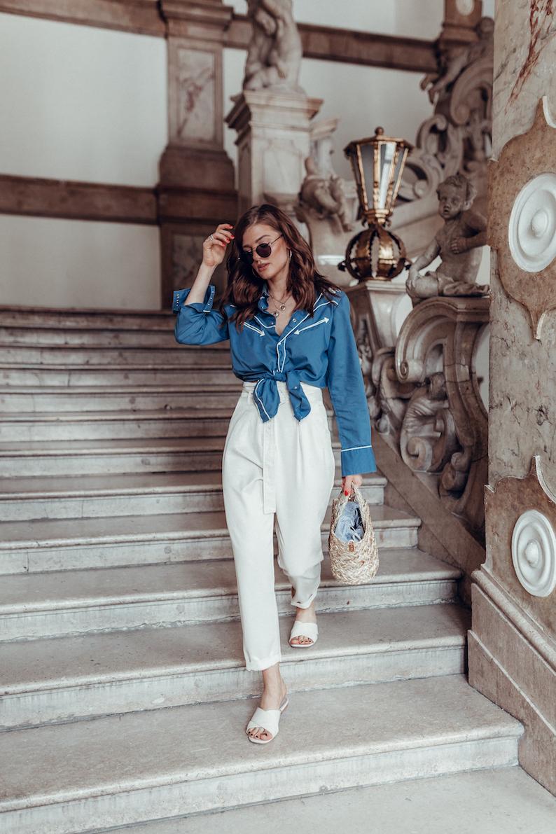 Schloss_Mirabell_Vintage_Blouse-4