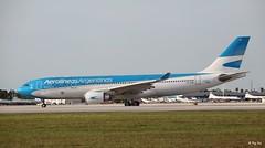 Airbus A330-200 (LV-FVH) Aerolineas Argentinas