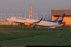 Icelandair B38M TFICE