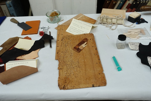 Holz Leder Restaurierung