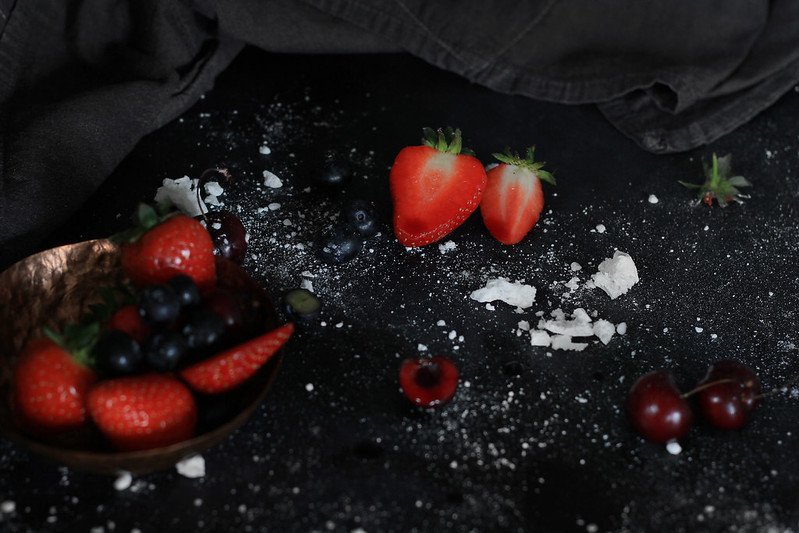 Pavlova berry details
