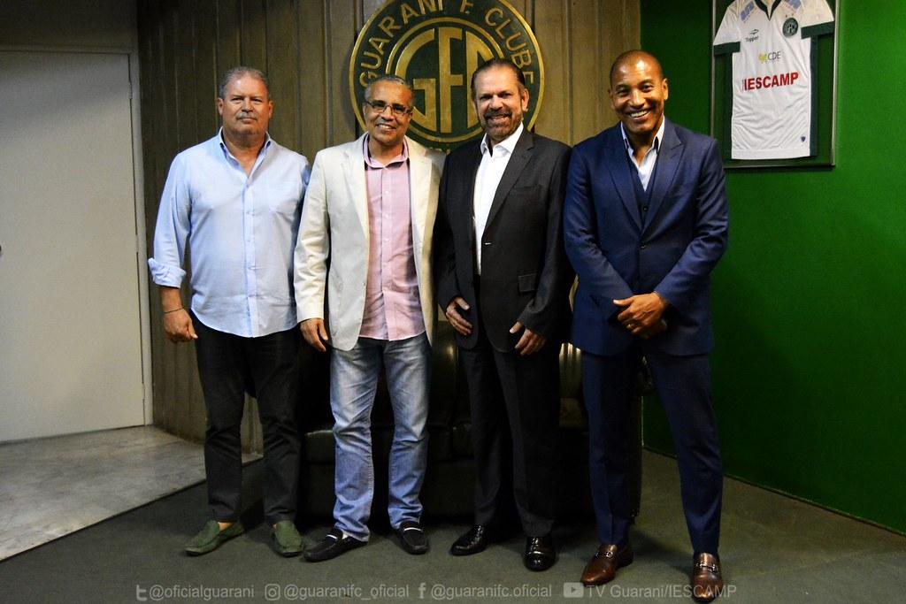 Reinaldo Carneiro Bastos e Mauro Silva visitam o Brinco