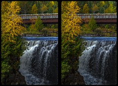 Kakabeka Falls in fall 3-D / CrossView / Stereoscopy / HDR / Raw