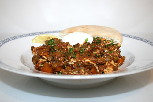 49 - Ethiopian chicken lentil stew - Side view / Äthiopischer Hähnchen-Linsen-Eintopf - Seitenansicht