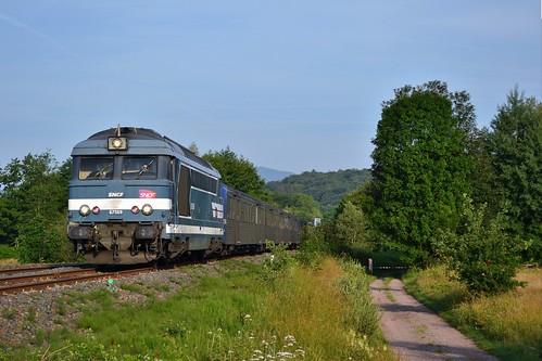 SNCF BB 67569 + RRR 236 + 233 te Urmatt