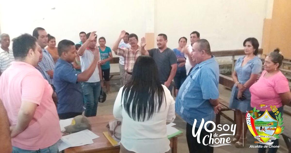 Alcaldía de Chone participó de cambio de cabildo en comuna campesina