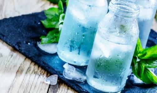 Sedang Diet Jangan Minum Air Es