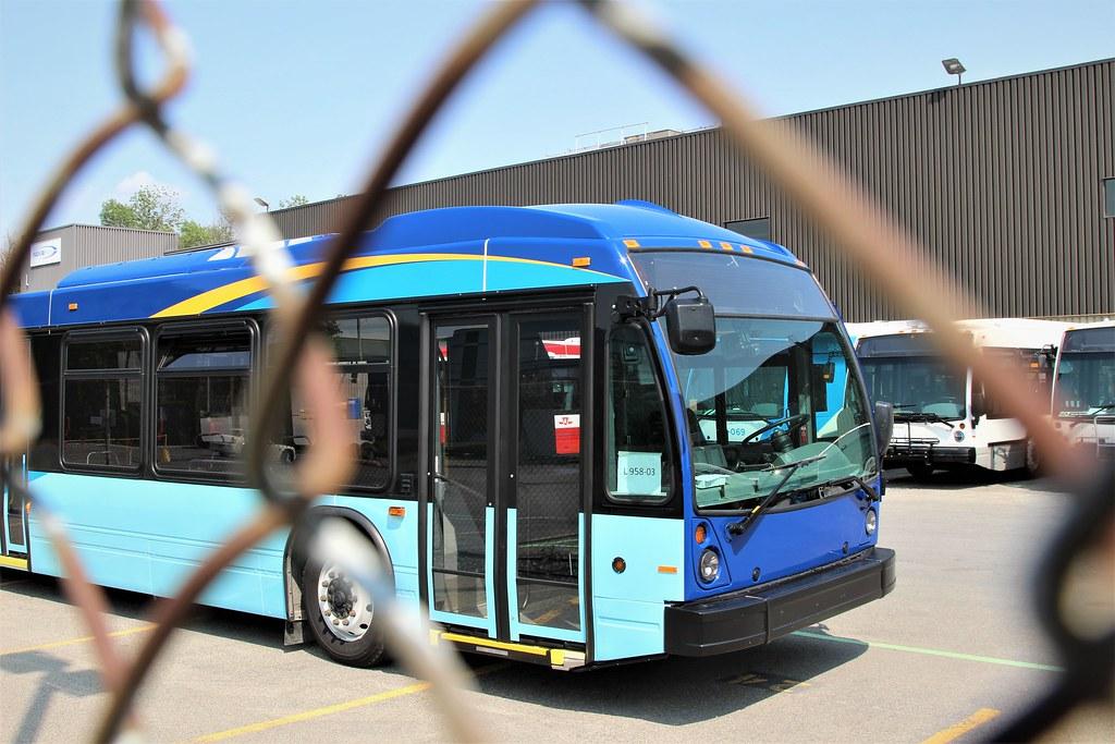 New York MTA Nova Bus LFS Artic