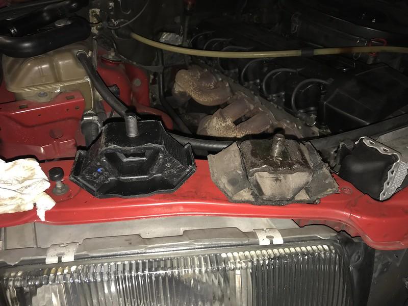 W126 Transmission Mount