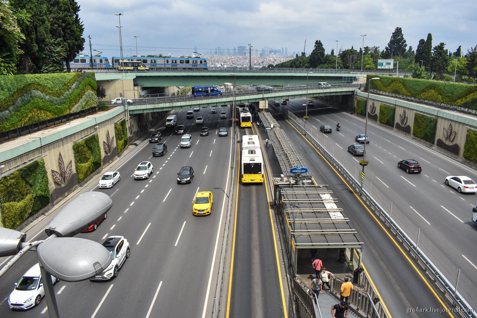 Метробус Стамбула – хорошее решение для спасения российских городов от коллапса