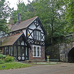 Keepers' lodge in Avenham Park