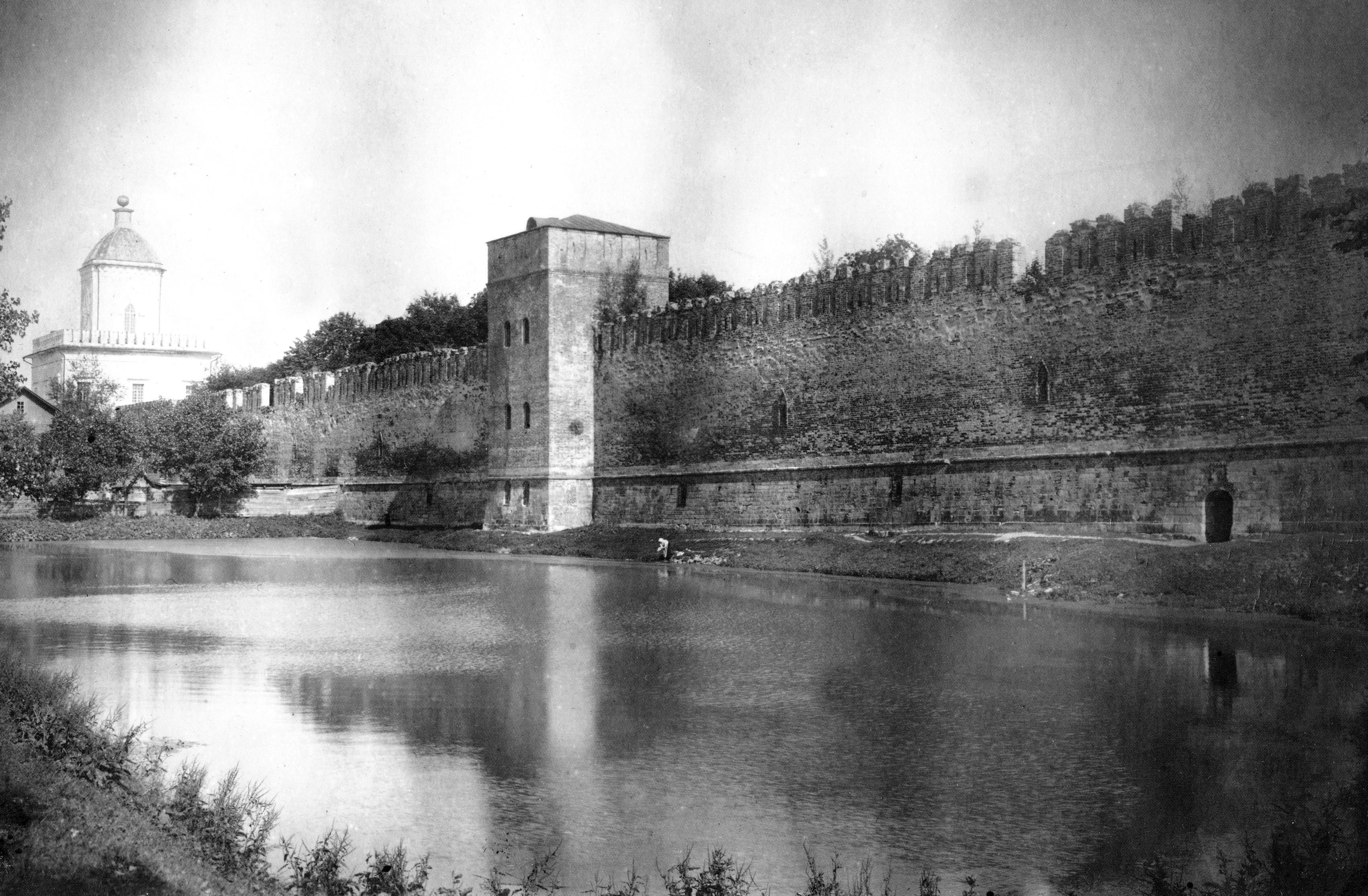 Молоховские ворота, Моховая башня и пруд. 1914