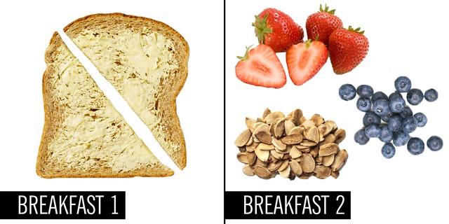 bánh mì nướng bơ và hoa quả