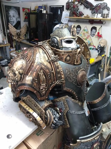 black_templar_chaplain_wip__right_pauldron__by_bag_of_hammers