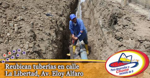 Reubican tuberías en calle La Libertad, Av. Eloy Alfaro