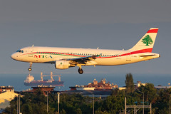 T7-MRA Middle East Airlines (MEA) Airbus A320-214