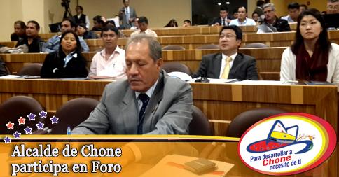 Alcalde de Chone participa en Foro