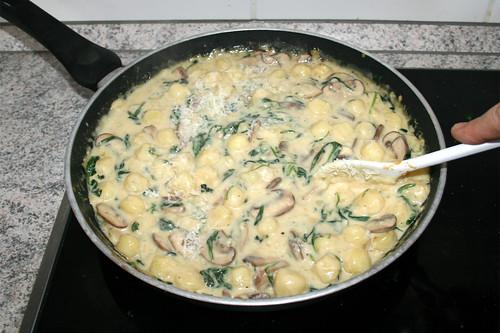 42 - Käse verrühren & schmelzen lassen / Stir & let melt cheese