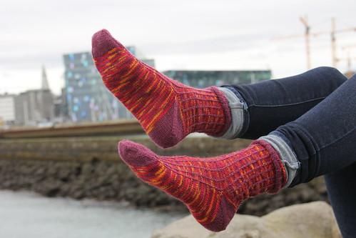 Solid stitch lines socks