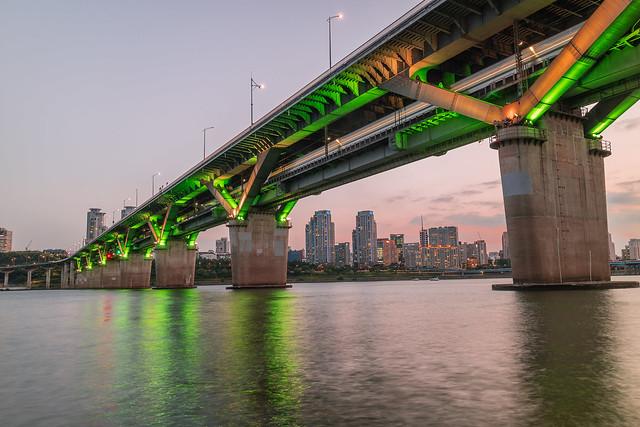 Cheongdam Bridge.