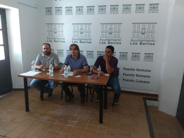 FERNANDO GRIMALDI (EN EL CENTRO) EN CONGRESO1
