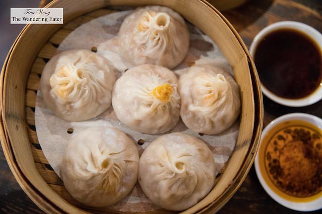Crab and pork xiao long bao (小籠包; soup dumplings)