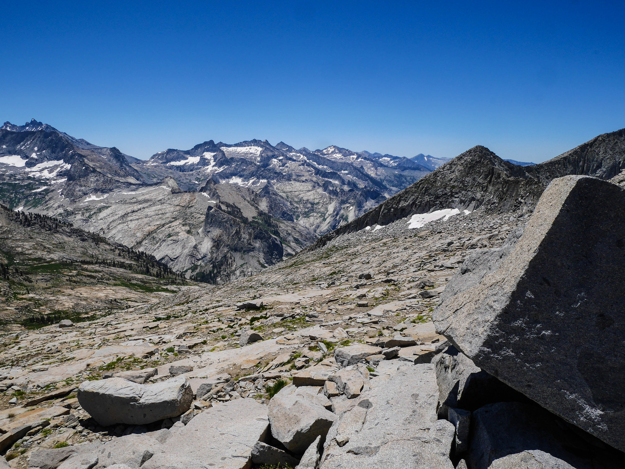 Looking south from Ptetrodactyl Pass