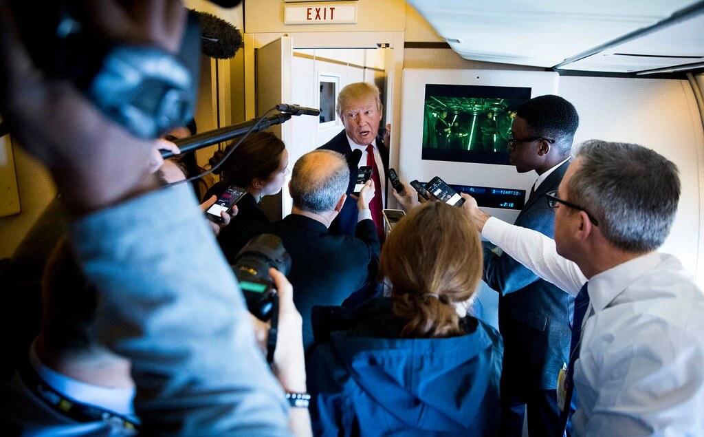 Թրամփի ինքնաթիռն ու լրագրողները, Doug Mills/The New York Times