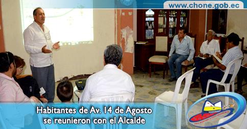 Habitantes de Av. 14 de Agosto se reunieron con el Alcalde