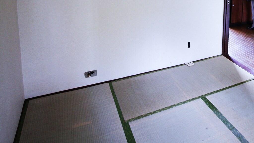リノベーション前の6帖の和室の畳