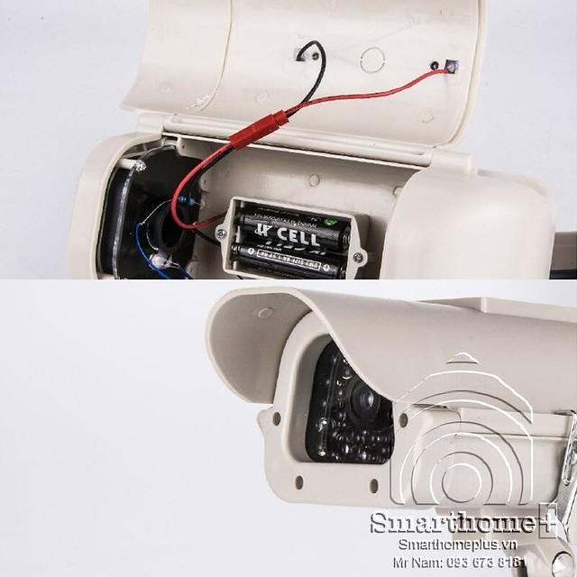 camera-mo-hinh-doa-trom-co-pin-nang-luong-mat-troi-yy-wf-22a