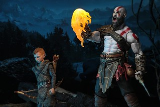 "NECA God of War Ultimate Kratos & Atreus 7"" Action Figure 2-Pack"