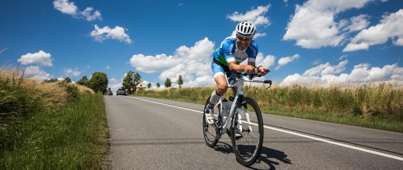 Kdo si z Moraviamana odveze tituly v dlouhém triatlonu?