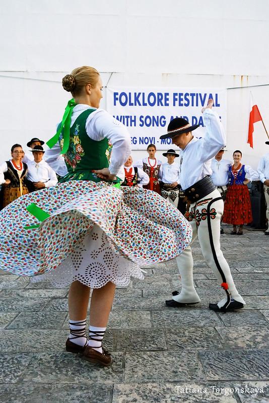 """Польский танец от членов фольклорной группы  """"Zbójnicek"""""""