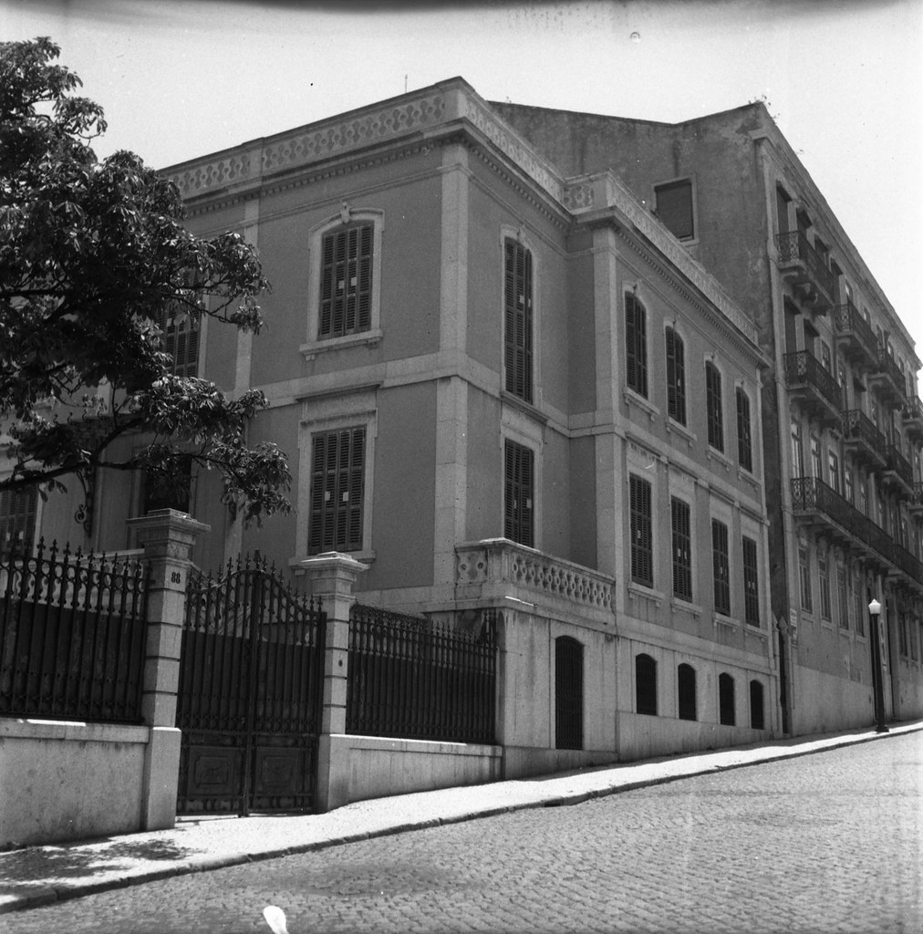 Palacete, Rua dos Açores (A.J. Fernandes, 1961)