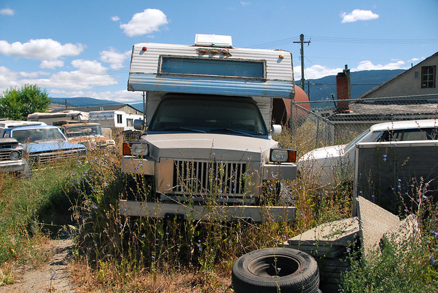 car junk yard (24)