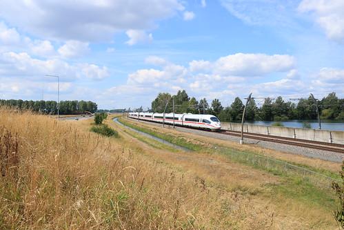 ICE 4683 langs Opheusden