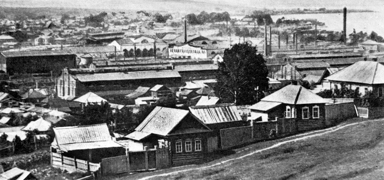 Воткинский завод. Вид на завод с колокольни Преображенской церкви