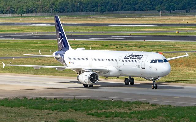 Lufthansa Airbus A321, Sony ILCE-7M2, Tamron SP 70-300mm F4-5.6 Di USD
