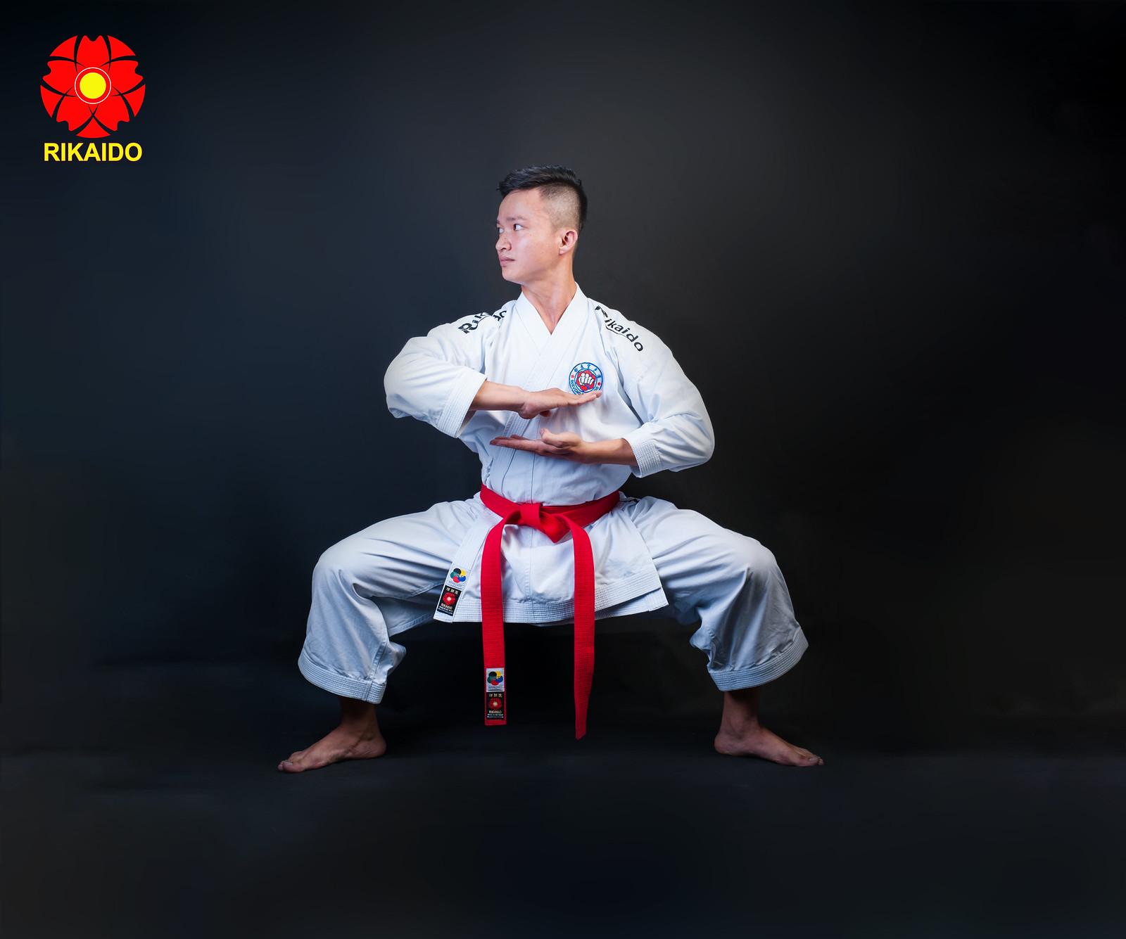 43073511205 8096781405 h - Ảnh nghệ thuật karate chụp trong studio