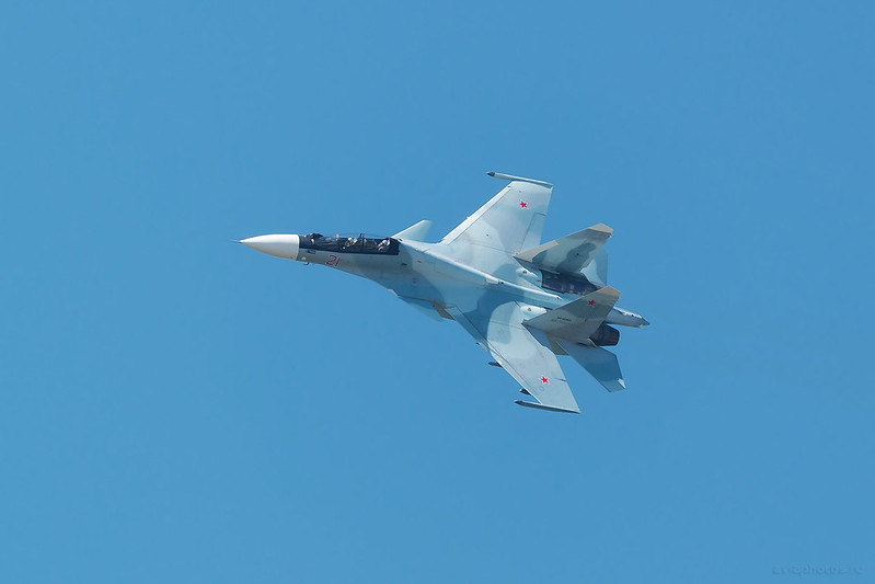 Sukhoi_Su-30SM_RF-95863_21red_Russia-Airforce_881_D809392