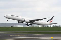 Air France F-GZNU