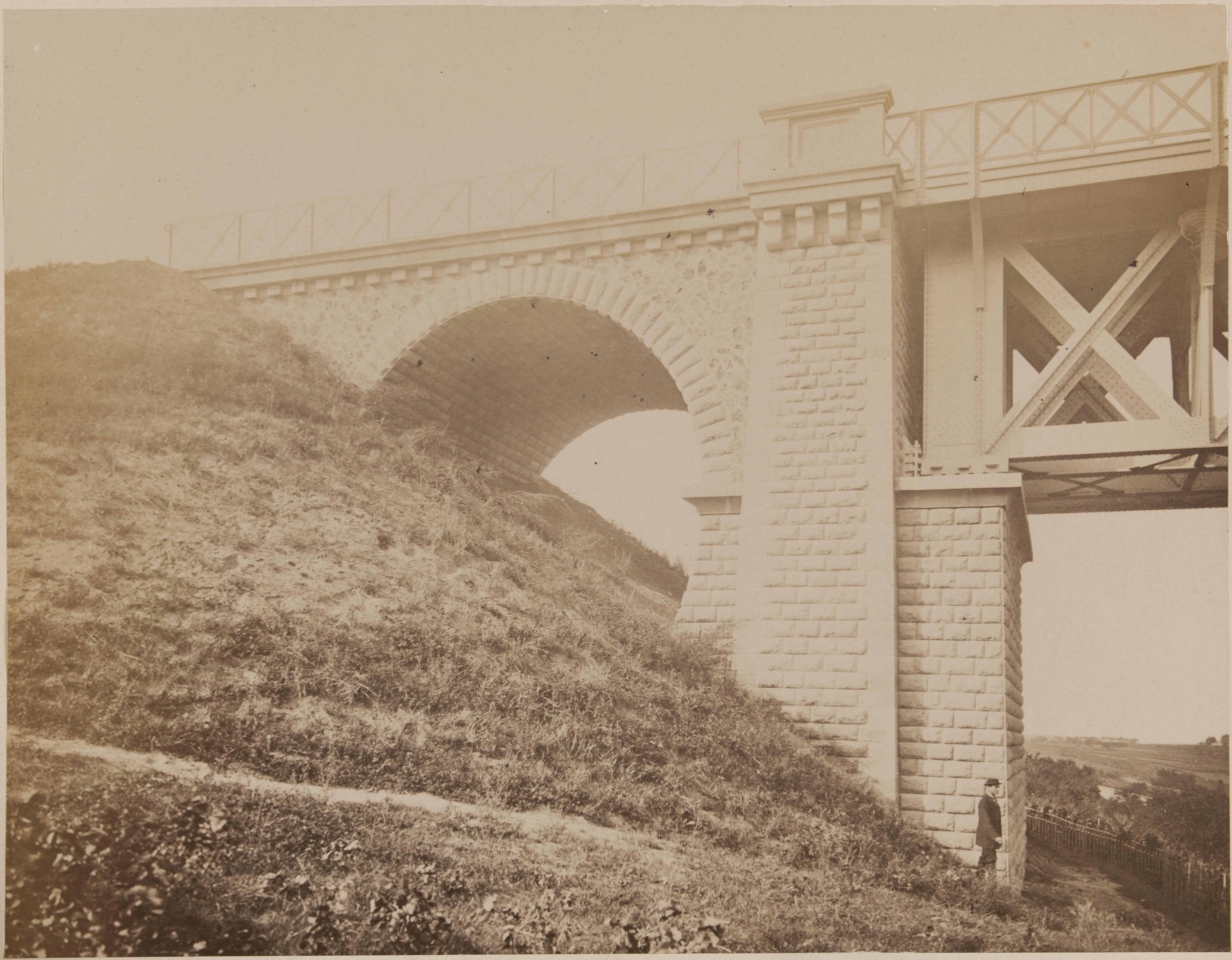4. Виадук Марли. Устой моста со стороны Л'Этан-ла-Виль