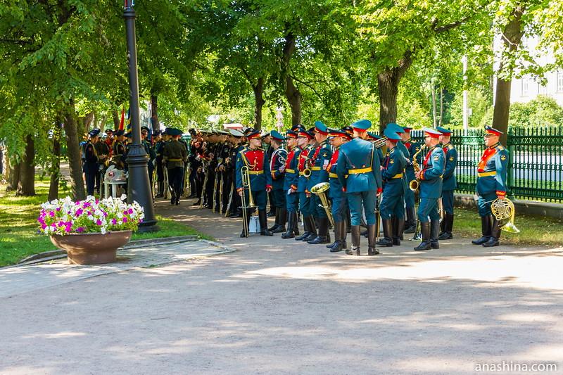 Военный оркестр в Петровском парке, Кронштадт