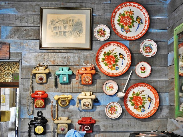 Decorative Telephones & Plates