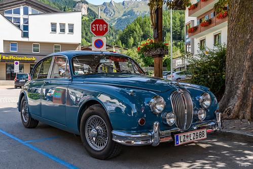 old Jaguar MK2 (1960)?