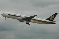 Singapore Airlines 777-212ER 9V-SQD